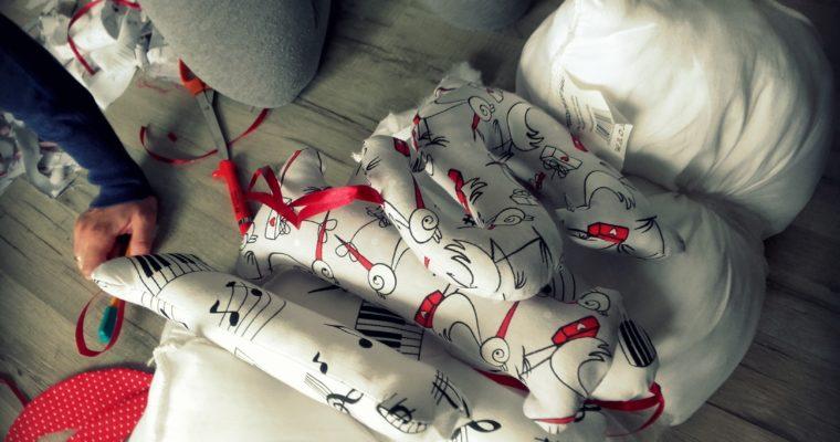 literki szyte przez Panią Jak - Moje pierwsze literki – Gosia i Ania